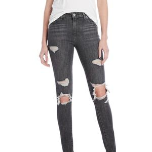Levi's 721 High Rise Skinny distressed